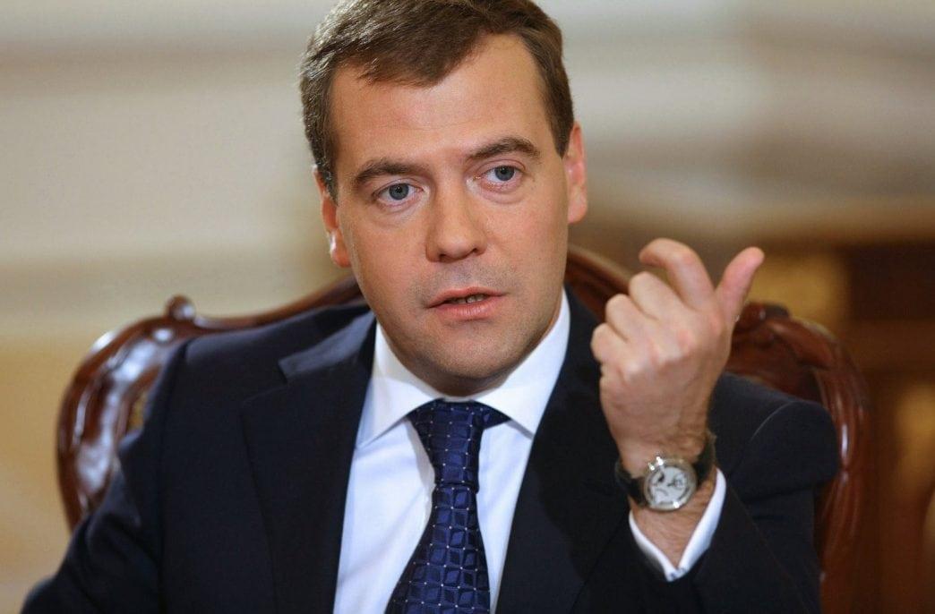 Дмитрий Медведев поручил правительству поддержать аграриев