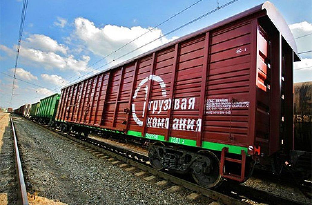 Санкт-Петербургский филиал «Первой грузовой компании» перевез в июле более 2,4 тыс. тонн минеральных удобрений