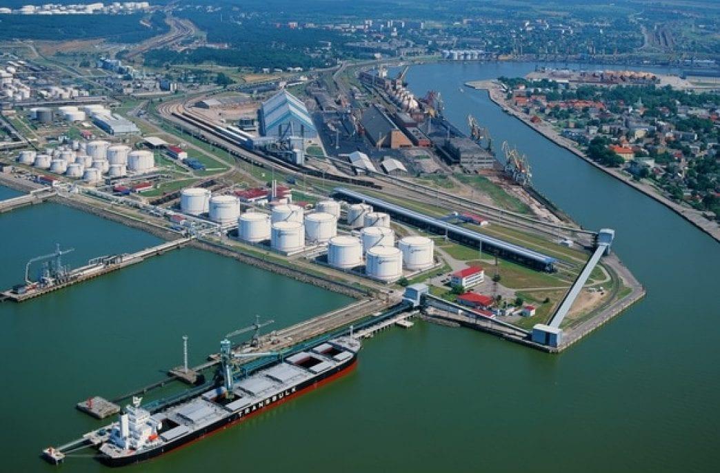 Из Латвии уходят российские минеральные удобрения и уголь