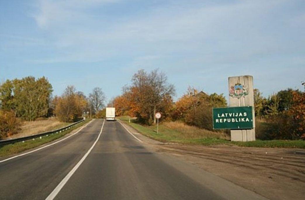 На границе в Псковской области остановили грузовики с транизтным удобрением