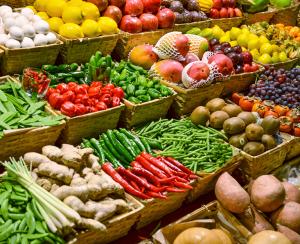 Плохие удобрения: на прелавках в Челябинске появились некачественные овощи и фрукты