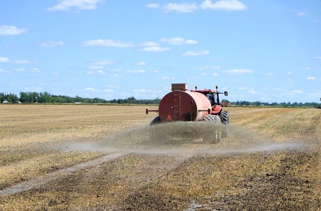 Сельхозпроизводители с начала года приобрели 2,2 млн тонн минеральных удобрений
