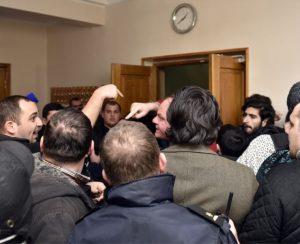 Массовые увольнения на Руставском «Азоте» привели к акциям протеста, есть пострадавшие