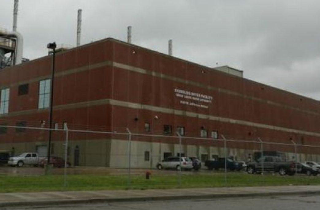 В Детройте завод по производству удобрений превысил нормы выбросов более чем в 2500 раз, власти отказываются видеть в этом проблему