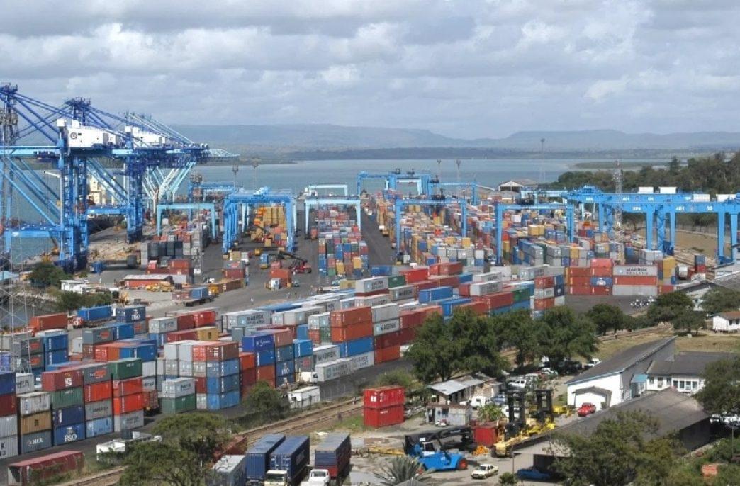В Кении пропало судно с 10 тыс. тонн удобрений
