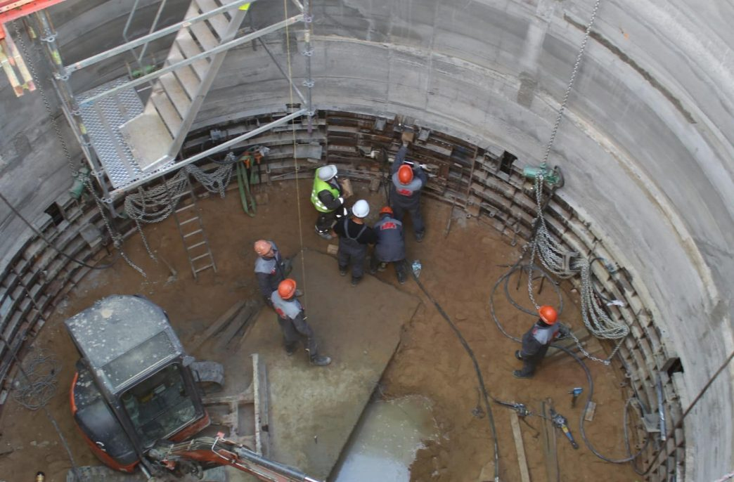Строительство Нежинского ГОКа идет по графику