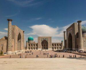 В Узбекистане грядет распродажа акций крупных заводов