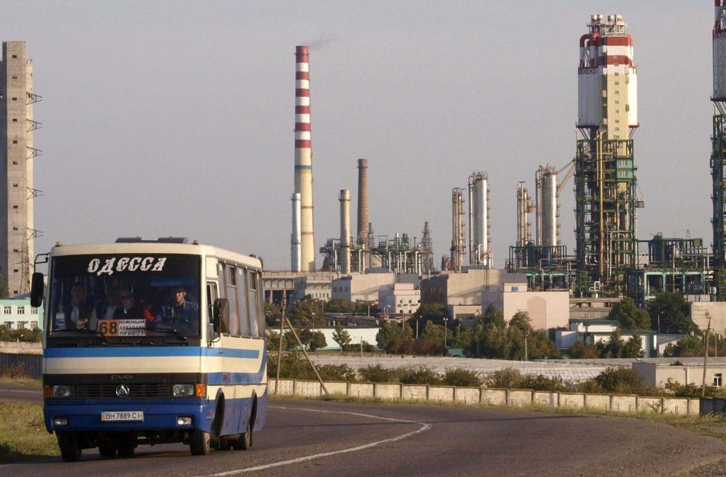Одесский припортовый завод может заработать в августе