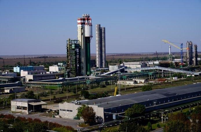 Одесский припортовый завод погашает долги за газ