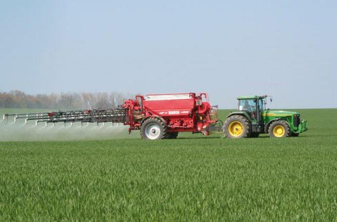 Эффективные способы сезонного внесения популярных удобрений