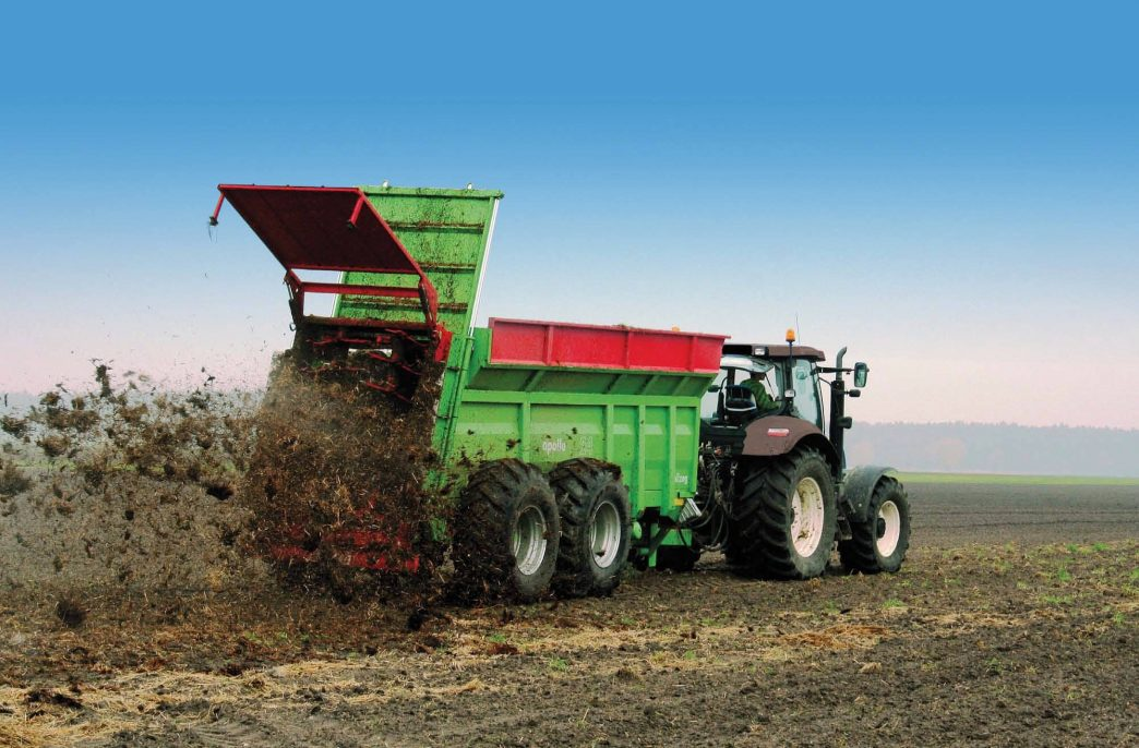 В Беларуси стартовало внесение органических удобрений