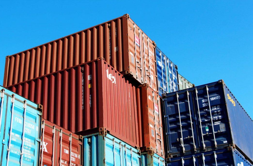 В Азербайджане стали переваливать туркменский карбамид в контейнерах