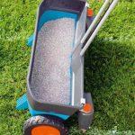Рейтинг разбрасывателей удобрений для садовых хозяйств