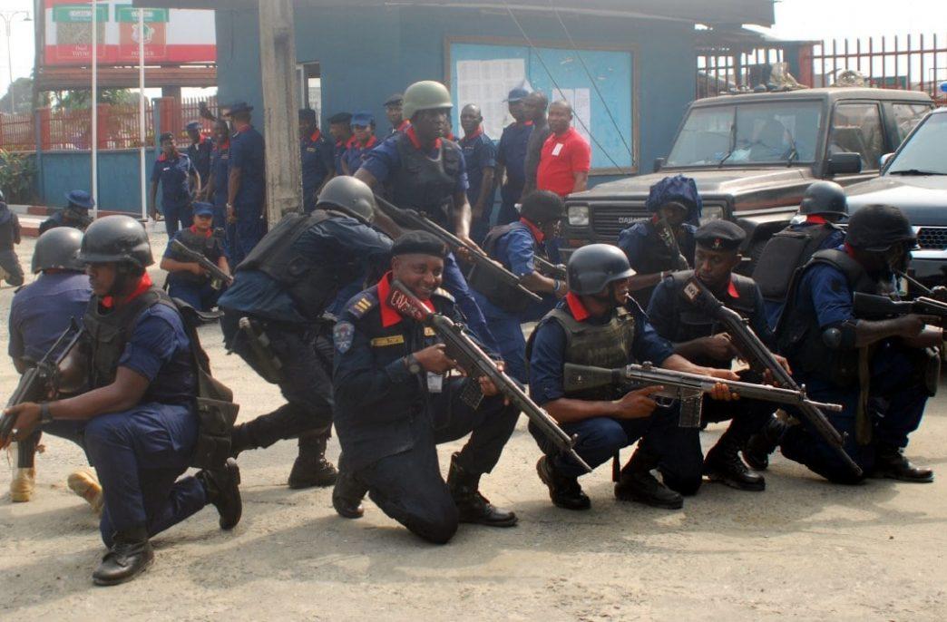 В Нигерии обнаружили подпольное предприятие