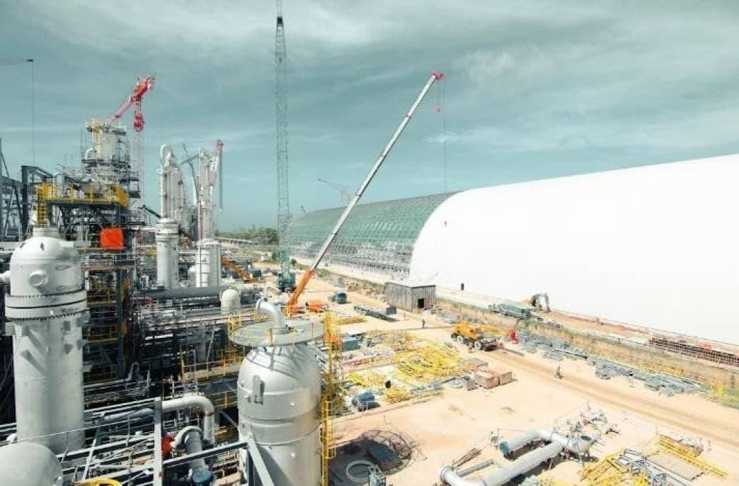 В Брунее строится огромный завод