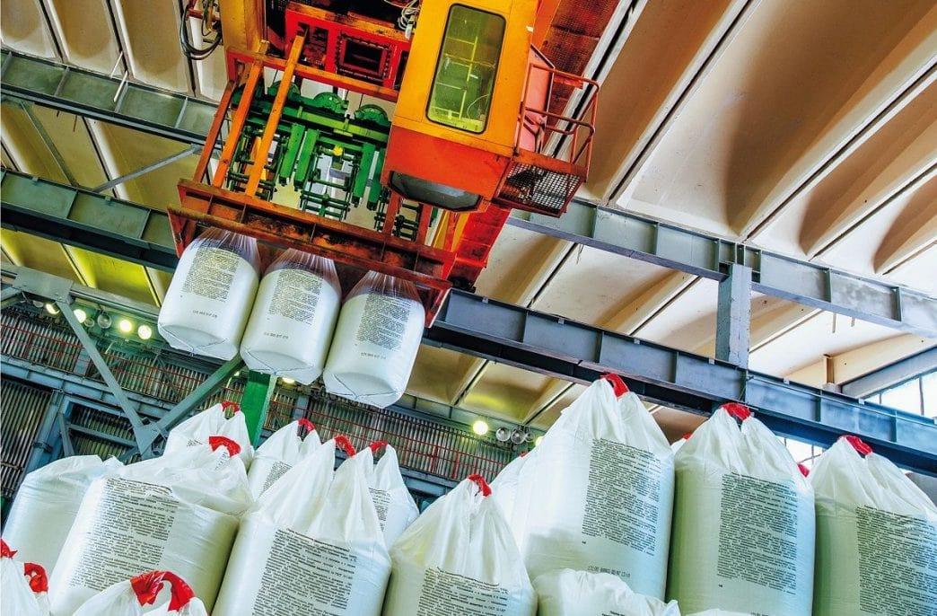 Российские аграрии получили 90% необходимых агрохимикатов