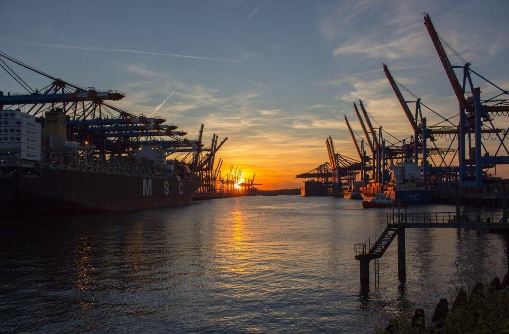 Агрохимикаты разрешат хранить в портах