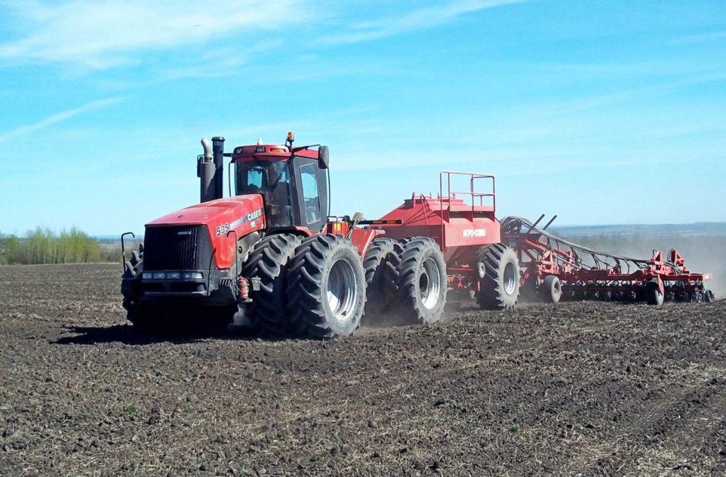 В Ленинградской области начались весенние полевые работы