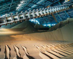 Закупки агрохимикатов в России приблизились к 4 млн. тонн