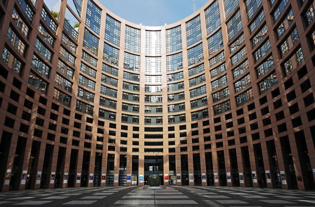 Европейскую комиссию призвали навести порядок